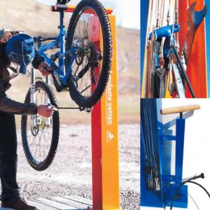 Praktisk servicestasjon til sykkel til bruk i skog og mark.